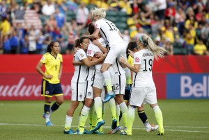 USA Blanks Colombia 2-0 To Reach Quarters